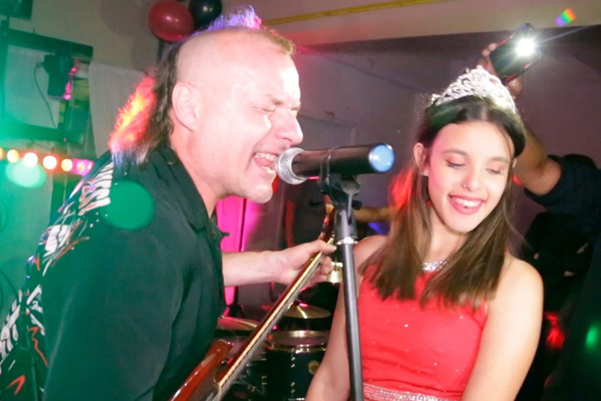 La Renga tocó en el cumpleaños de 15 de la sobrina de su cantante y los videos se hicieron virales