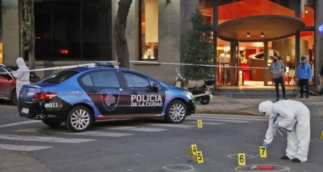 """""""Él era feliz siendo policía; su trabajo era su pasión"""", dijo la mujer del efectivo asesinado"""