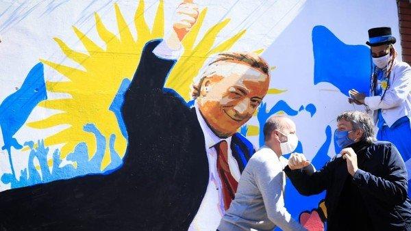Máximo Kirchner no fue al CCK con Alberto Fernández, pero se mostró en un acto con un intendente