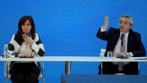 ¿Manda él o manda ella? Las cinco encuestas que contradicen la carta de Cristina Kirchner