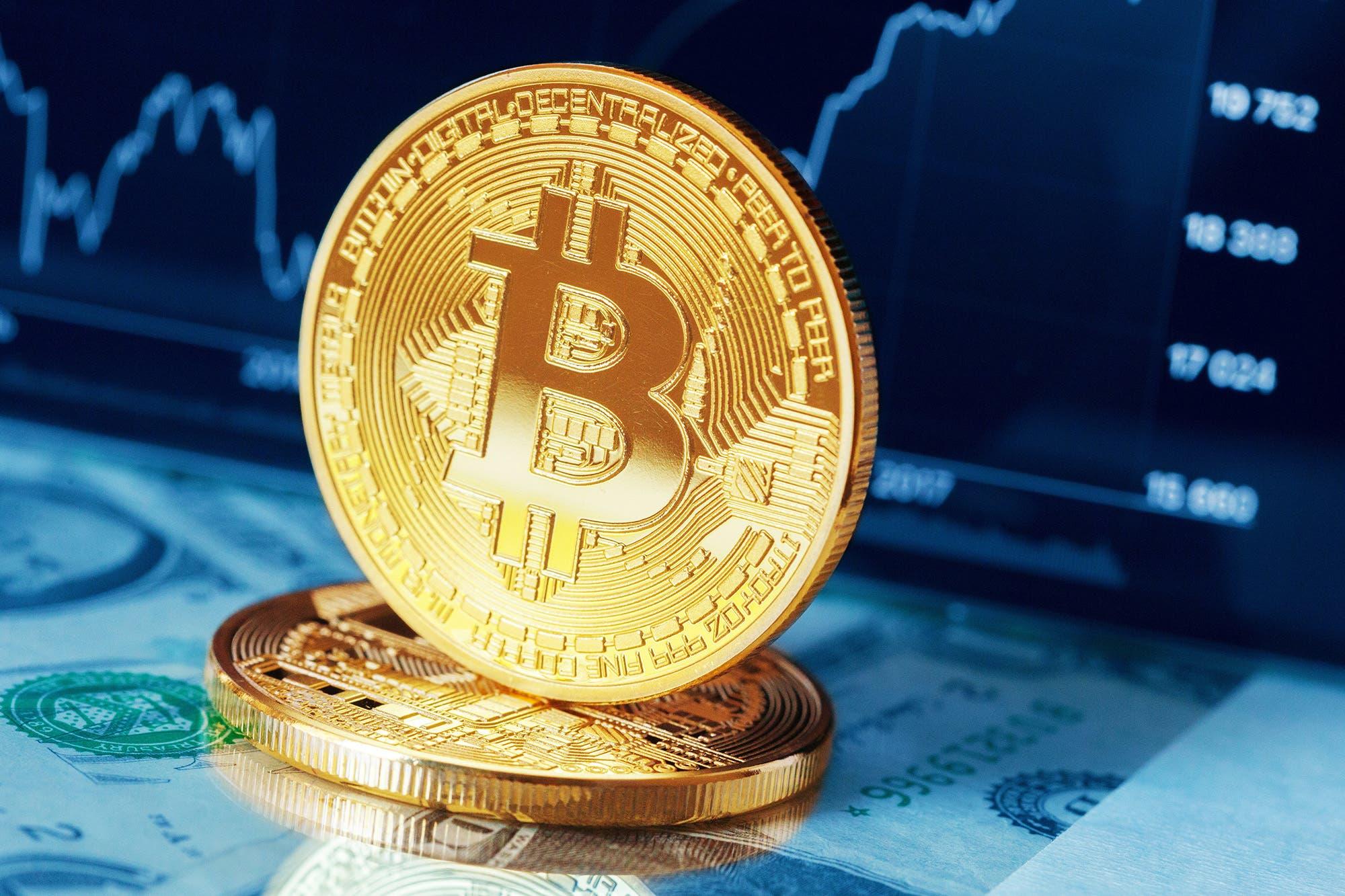 El bitcoin cae 10% en un día y se aleja de su récord