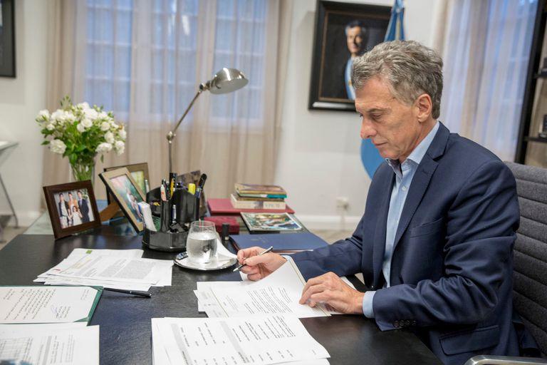 la-carta-en-la-que-mauricio-macri-y-otros-expresidentes-pedian-por-la-liberacion-de-patentes