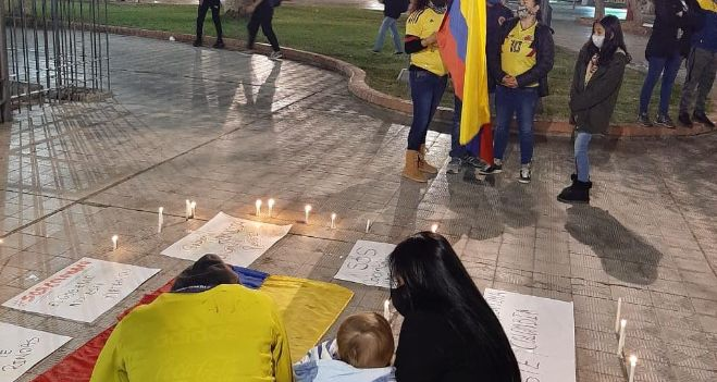 colombianos-que-residen-en-san-juan-cantaron-el-himno-y-repudiaron-la-violencia-en-su-pais