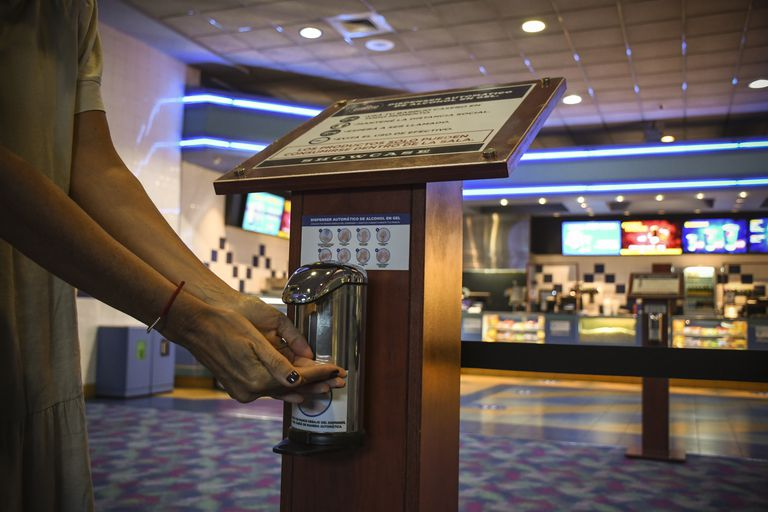 el-cine-y-el-teatro-se-preparan-para-reabrir-sus-puertas-en-la-ciudad-de-buenos-aires-el-viernes-18