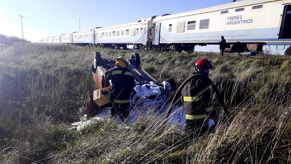 un-auto-fue-embestido-por-un-tren-y-murio-uno-de-sus-ocupantes