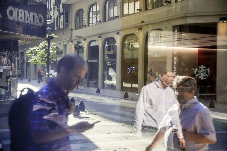 dolar-blue-hoy:-a-cuanto-cotiza-el-lunes-12-de-julio