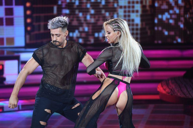 "la-academia:-el-sensual-reggaeton-de-luciana-salzar-que-jimena-baron-tildo-de-""viejo"""