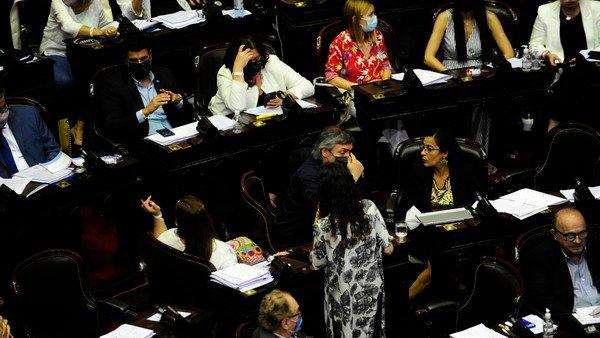 en-diputados-esperan-30-horas-de-debate-y-una-sesion-tensa-en-la-vuelta-a-la-presencialidad-plena